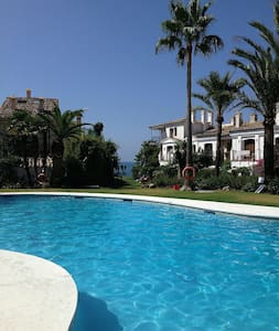 Andalusian beachhouse/2 Pools/WIFI - Estepona - Townhouse