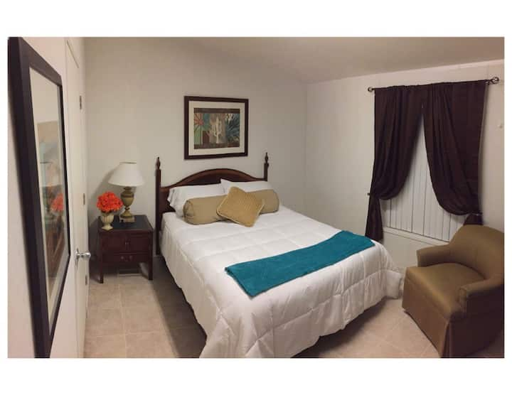 American Quality Suites -Comfortable Clean & Quiet