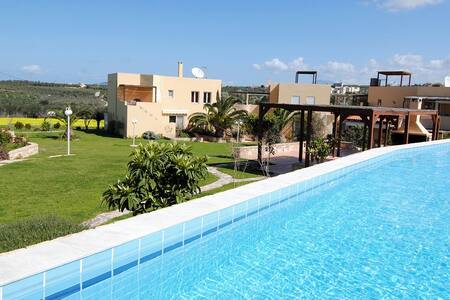 Charming Apartment with a lovely view in Rethymno