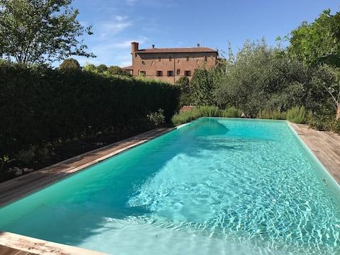luxury historical mansion on Monferrato hills
