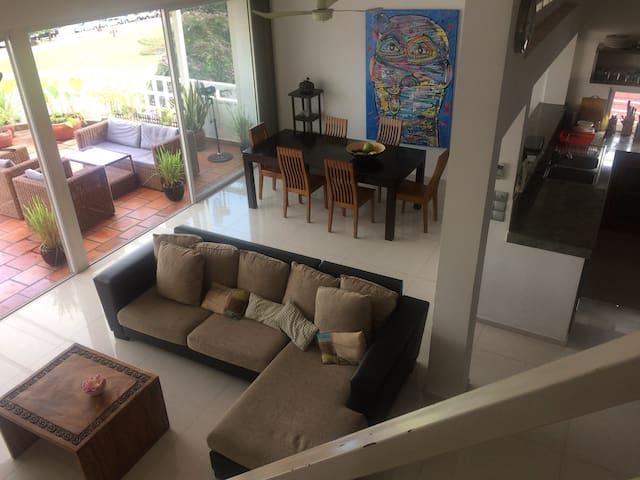 Ideal famille, duplex 3 chambres avec jaccuzi - Phnom Penh - Daire