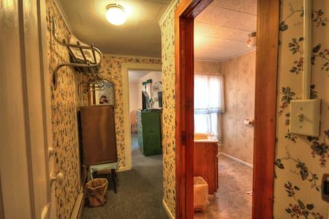 Glenmoore Lodge Room 4