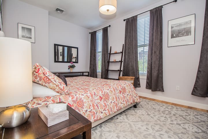 Master Bedroom in a 2Beth, 1Bath with Jacuzzi Tub