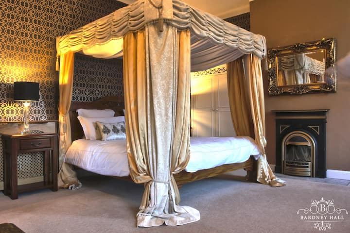 Luxurious Bardney Suite at Bardney Hall