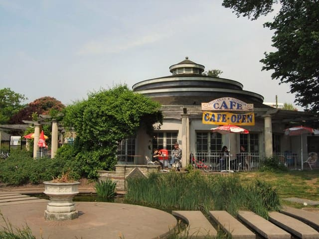 The excellent 'Rotunda Cafe', Preston Park: great for Tea, Coffee, Soft Drinks, Ice Creams, Snacks, Breakfasts, Brunch and Lunch! Only 5 minutes walk away!