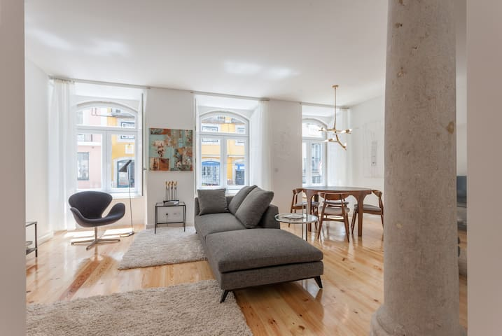 Trendy Architect Flat-Art & Design in Sunny Lisbon
