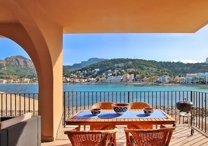 Es Faro House,frontline property with breathtaking sea views in Port Soller