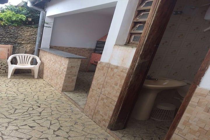 Casa espaçosa na Praia do Sonho !!!!