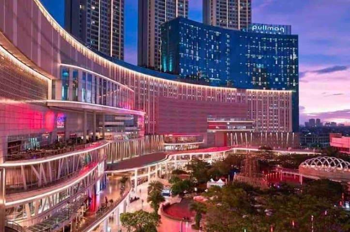 Walking distance to central park mall, neo soho, taman anggrek mall