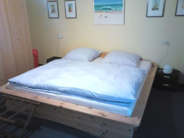 Ferienwohnung , 2 Zi, Kü, Bad - Nahe der Mosel - Forst(Eifel) - Apartamento