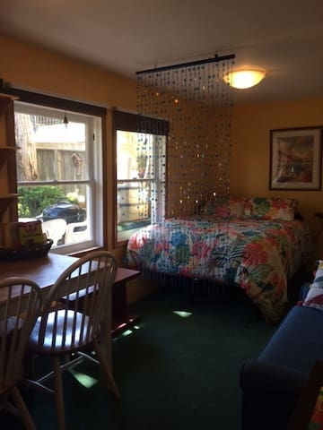Walk to Golden Gate Park from Private Bed & Bath!