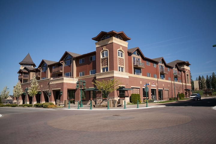 3bd/2bth top floor condo in Village at Riverstone