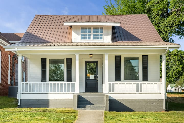 Charming Historic Cottage in Dayton Tennessee
