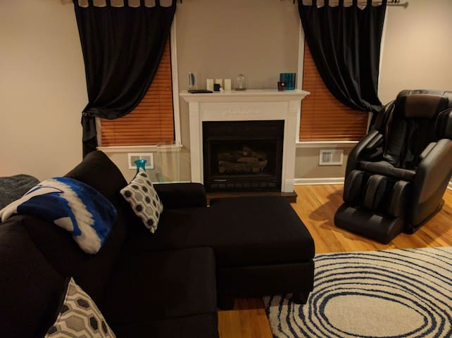 1 Private Bedroom/Bath; 20 mins to NYC ($3 bus) - North Bergen - House