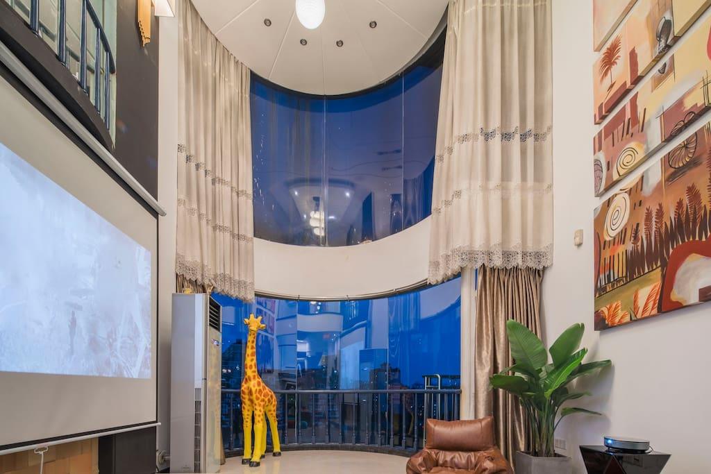 客厅2层落地窗