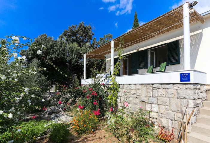 Holiday Home Grgurević - One Bedroom with sea View - Molunat