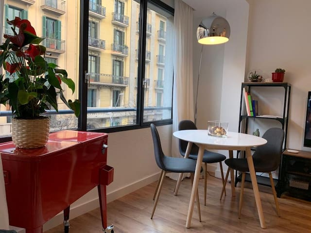 Brand New Room in central BCN!