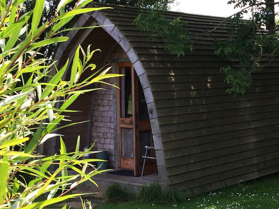 Peaceful garden pod pwllheli gwynedd royaume uni for Garden pods to live in
