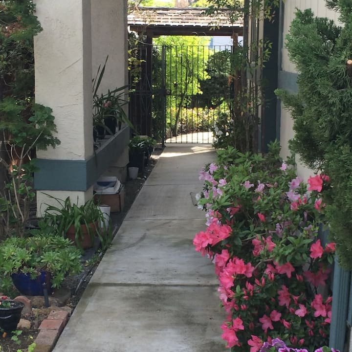Room for Rent in San Francisco East Bay Home