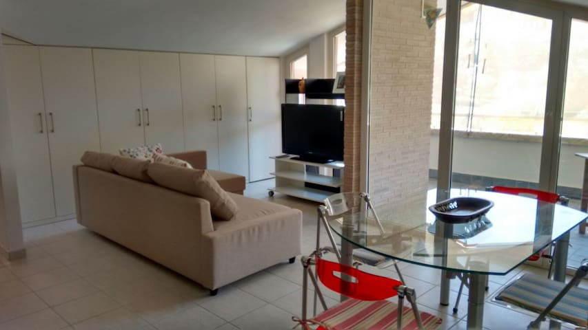 Bellissima Mansarda 90 mq, Giulianova Spiaggia - Giulianova - 公寓