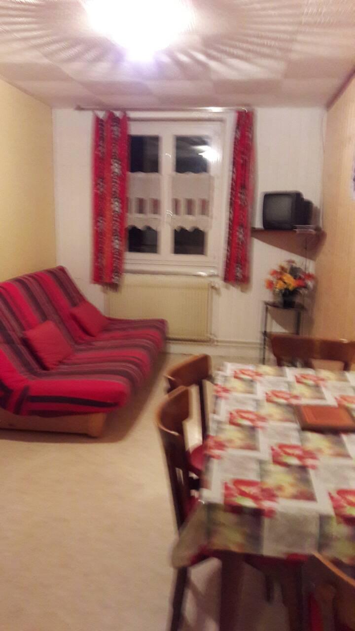 petit studio agréable situé au centre du village