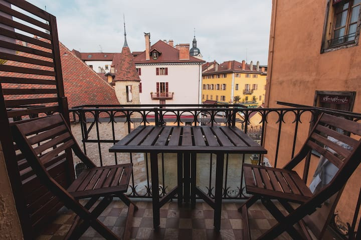 Apartment with amazing view in the old town