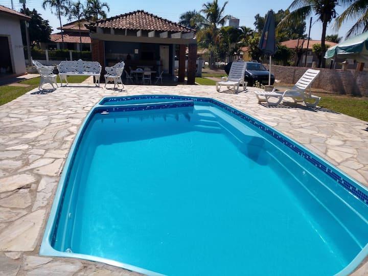 Rancho  Alto padrão no Condomínio Paquetá