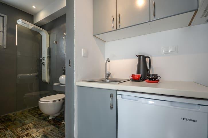 Depis suites superior quadruple room Naxos town