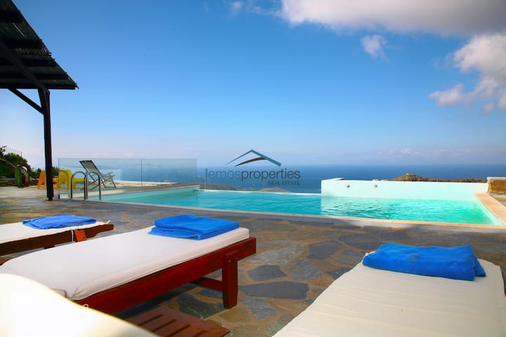 Fantastic stone villa with a swimming pool