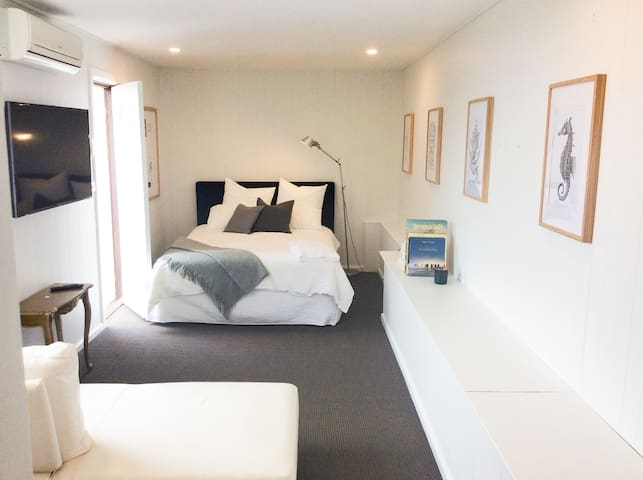 Balmoral Beach : Self contained studio apartment