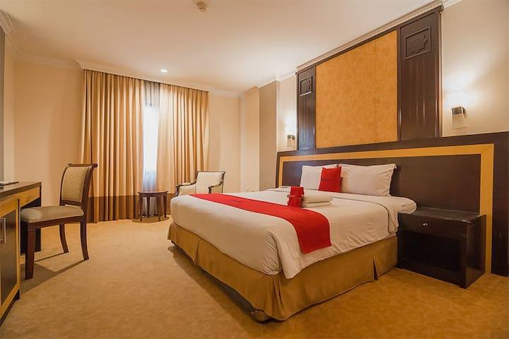 RedDoorz Premium Syariah @ Semarang City Center