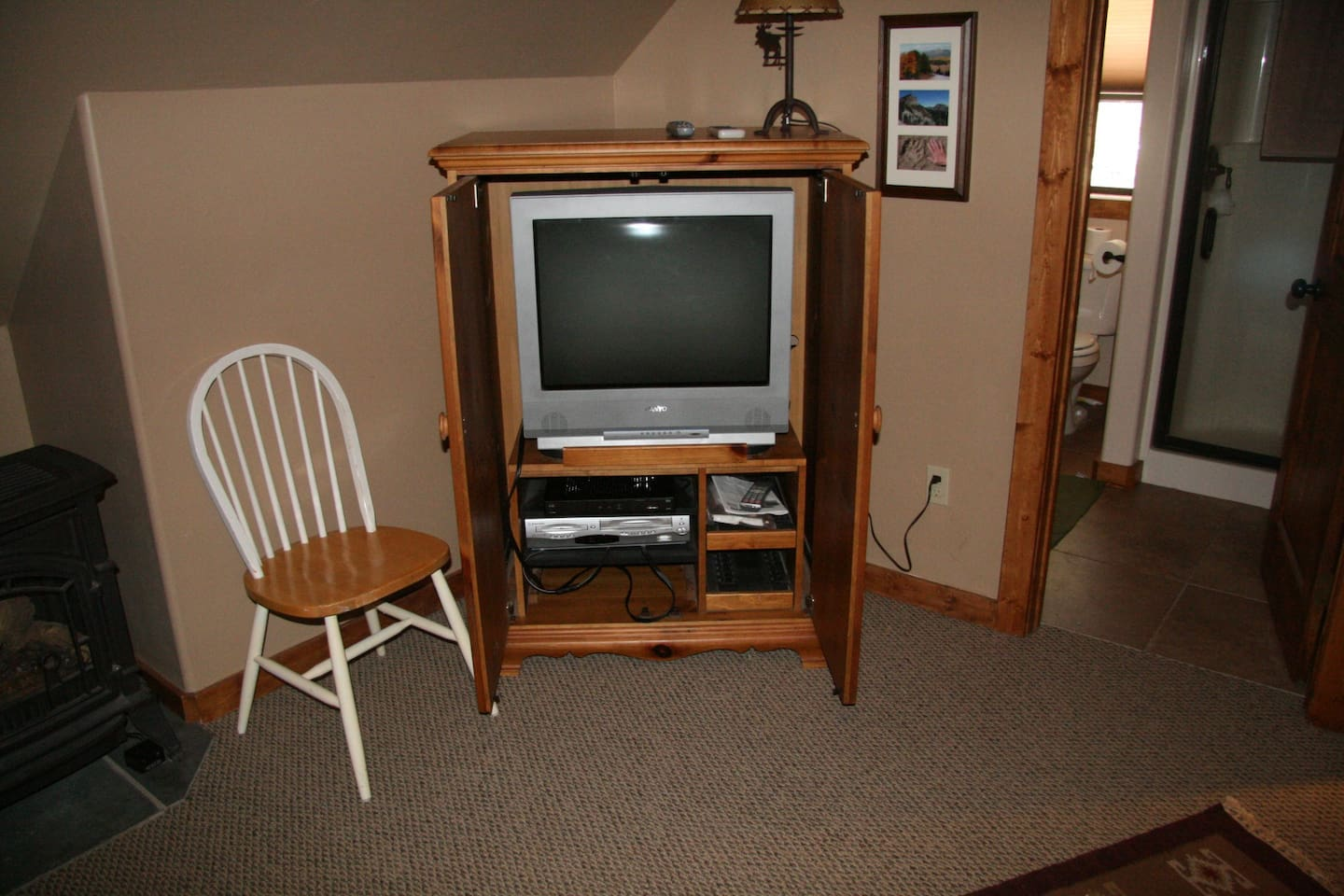 """cable tv and bathroom in garage """"apartment"""""""