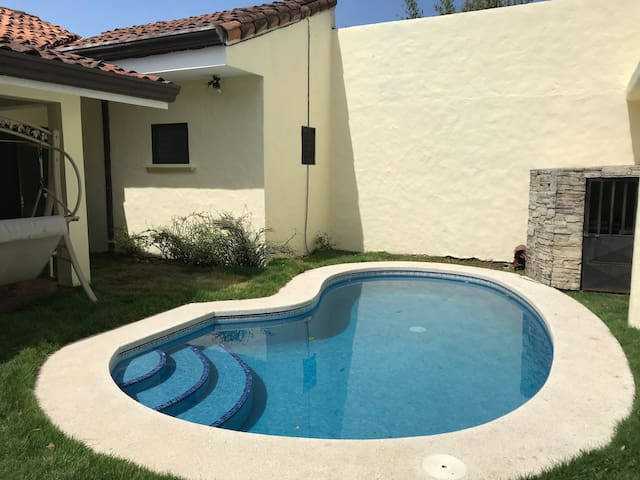 PRIVATE POOL! CLOSE TO EVERYTHING! 4BR 3.5 BATH