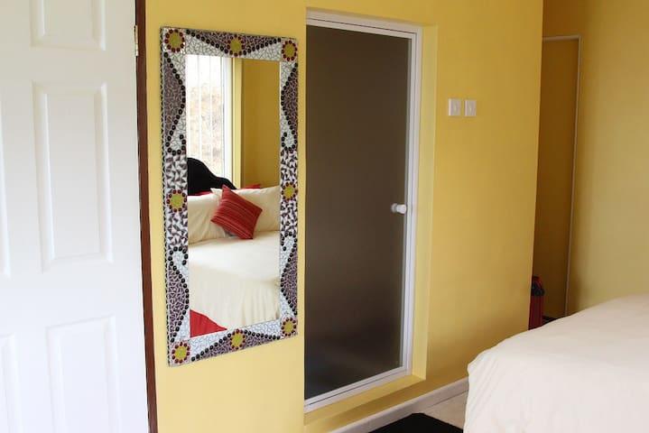 Richards Travel Lodge - Vista Suite