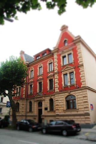 4*Hotelvilla Alexandra m. Parkplatz - nähe Bahnhof