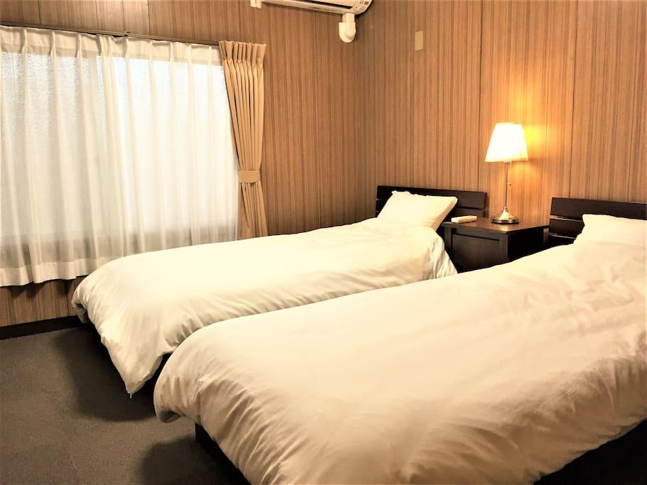洋室ツイン Western-style room(1-2 person)