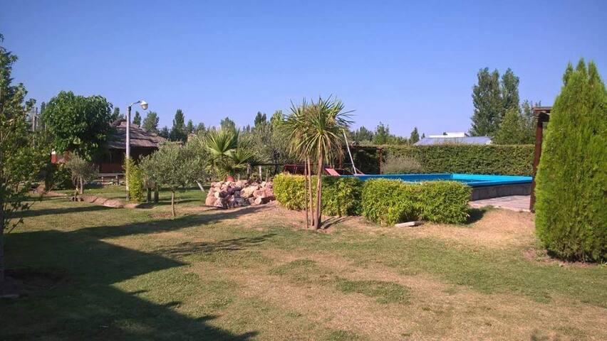 Parque, pileta y quincho
