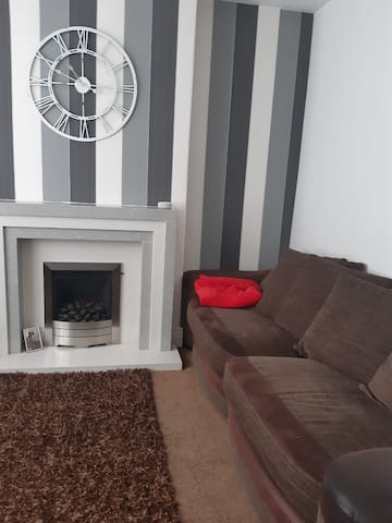 Large Semi Detached House Ideal for commuting