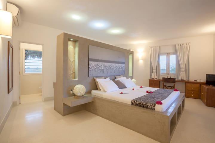 Leopard Point Luxury Beach Resort - Suite