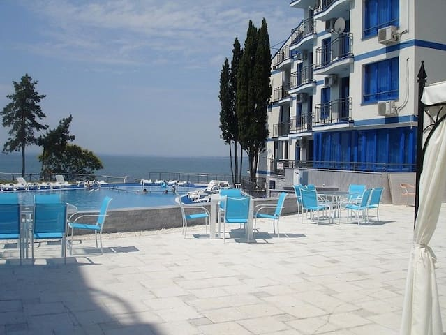 Blue Bay Palace 2