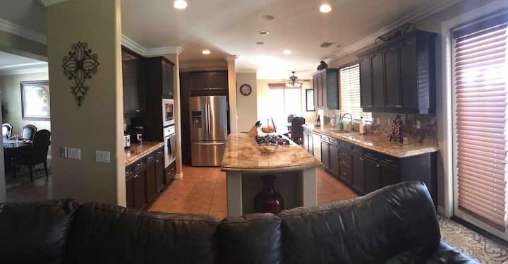 Spacious 2,800 sq ft home with 3BR & game room