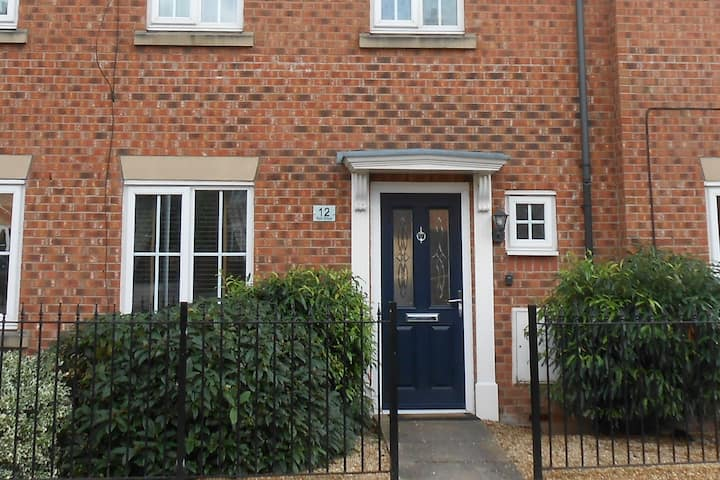 Small Single  in Eastham, Wirral Townhouse