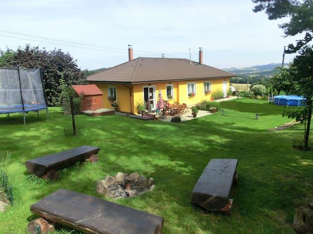 Karlovské hnízdo - Liberec - Hus
