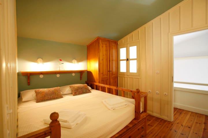 UPPER HOUSE_BEDROOM 1