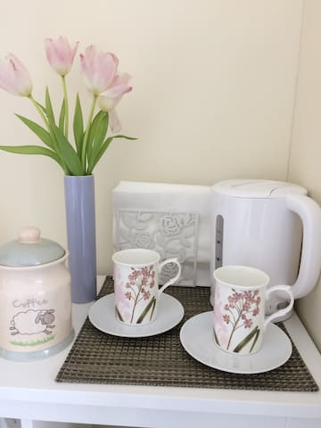 Charming rustic styled private double room - Groomsport - Banglo