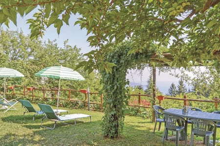 Holiday apartment with 1 bedroom on 70m² in Gargnano Bs