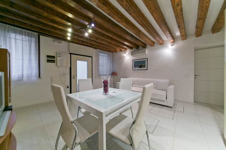 Cozy apartment in Cannaregio