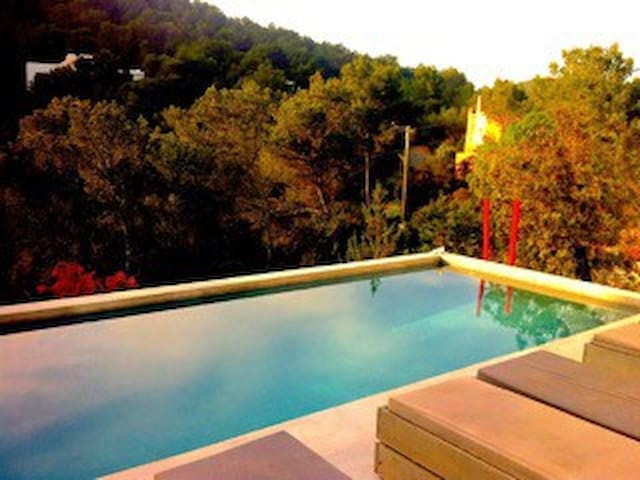 Double bedroom in a beautiful villa - Sant Josep de sa Talaia - Villa