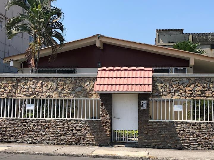 Suite independiente #1 - Casa Violeta