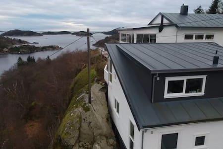 Havik i Spind  (1,2 km fra Farsund)